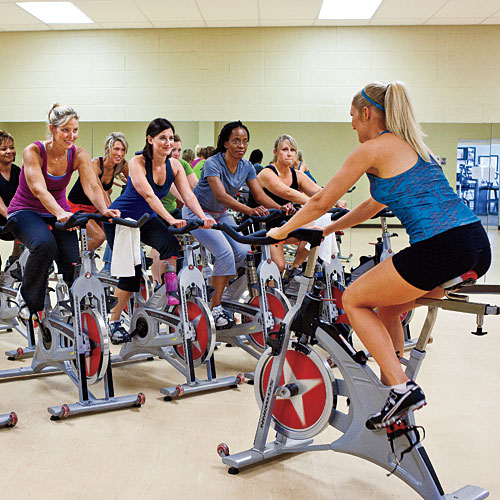dvoranski biciklizam u Atomic aerobik centru